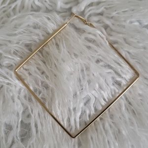 unknown Jewelry - Square gold hoops Uncommon James style square